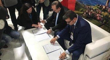 Centinaio in Argentina: siglato accordo sul turismo di ritorno