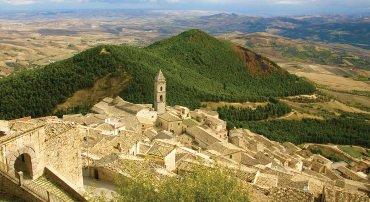 Enogastronomia e collegamenti per Puglia e Calabria