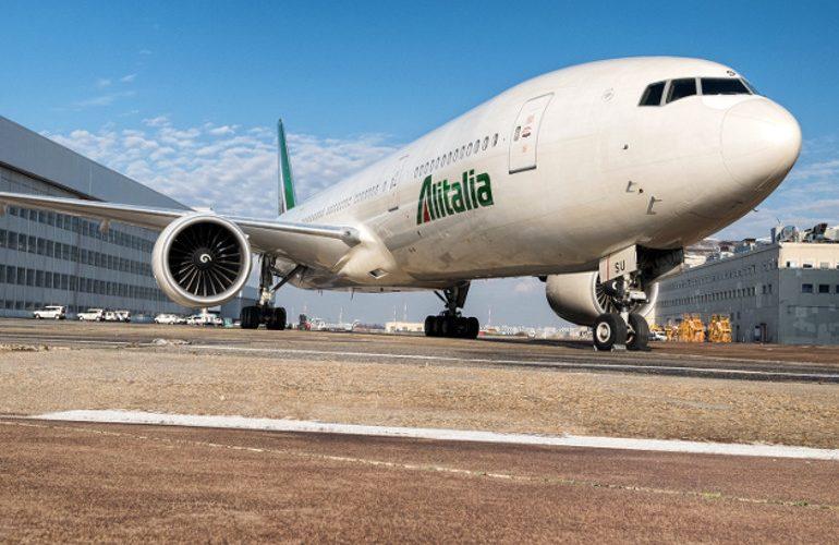 "Alitalia: spunta l'ipotesi vendita ""a pezzi"""