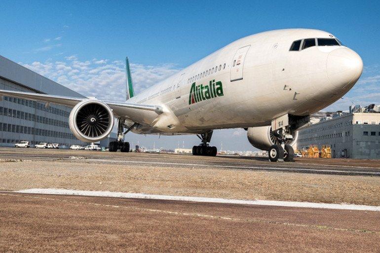 Meglio tardi che mai: arriva la polizza anti-Covid di Alitalia