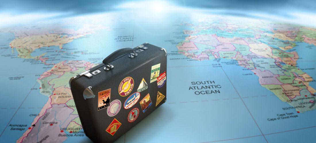 Viaggi: l'80% degli italiani entusiasta immaginandosi a bordo di un aereo