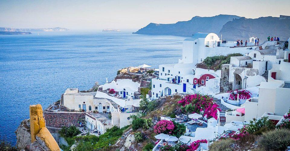 Grecia e Uk: trattative per i certificati di vaccinazione