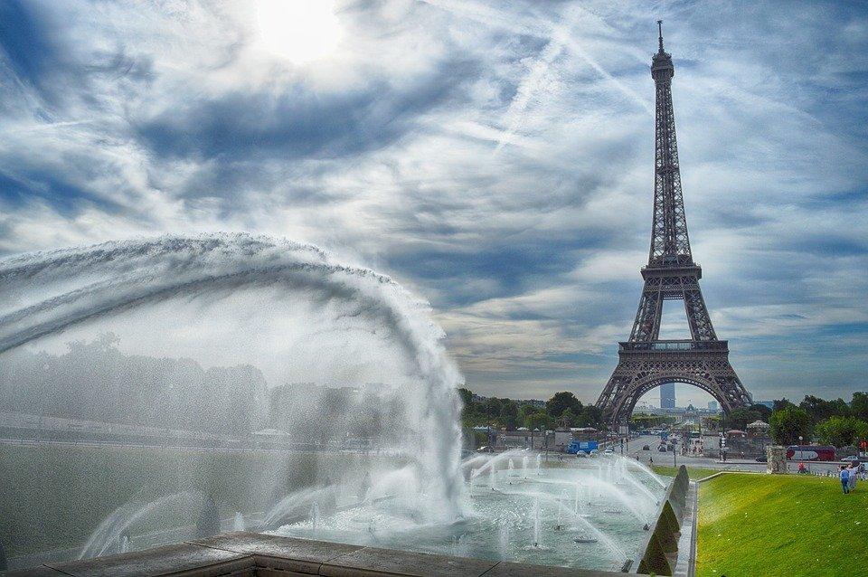 Viaggi annullati: in Francia lo Stato aiuta sui rimborsi