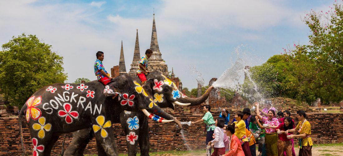 In Thailandia si festeggia il Songkran
