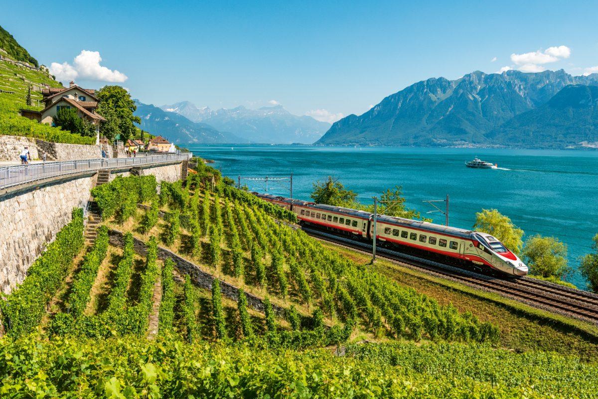 Alla scoperta della Svizzera, in treno, autobus e battello