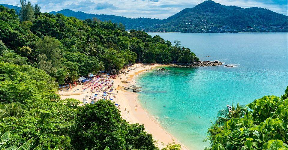 Thailandia: tabella di marcia in tre fasi per ripartire