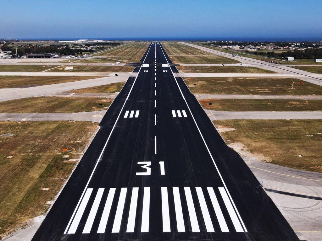 L'Aeroporto del Salento è riaperto al traffico