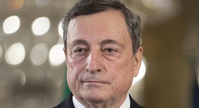 """Draghi: """"Riaprire al più presto"""""""