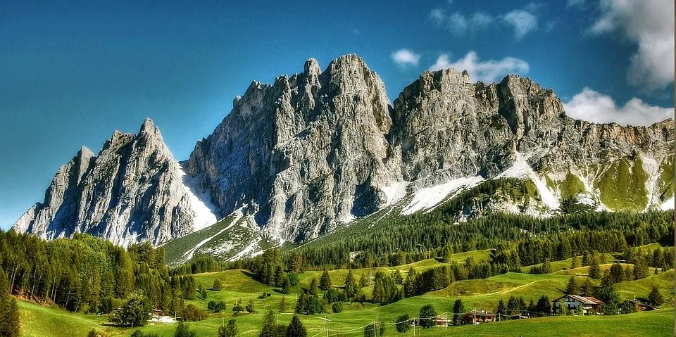 """Manuela Di Centa: """"Vogliamo dare una voce importante a sport e montagna"""""""