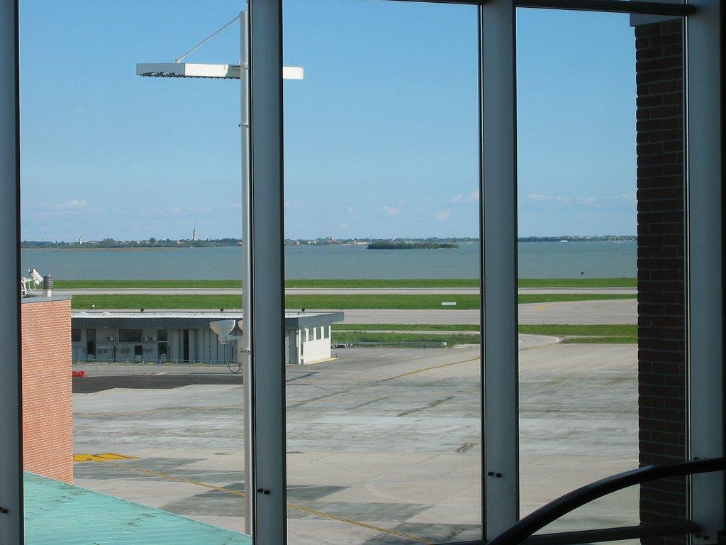 Venezia, tornano i voli intercontinentali su Usa e Dubai