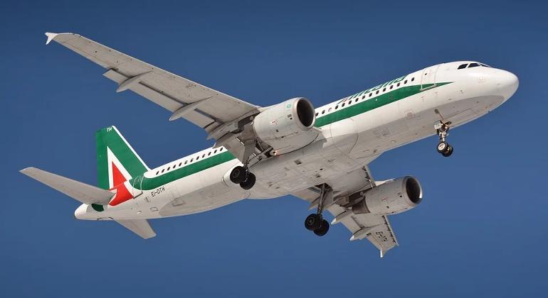"""Lazzerini-Alitalia: """"Speriamo a breve gara per il marchio"""""""