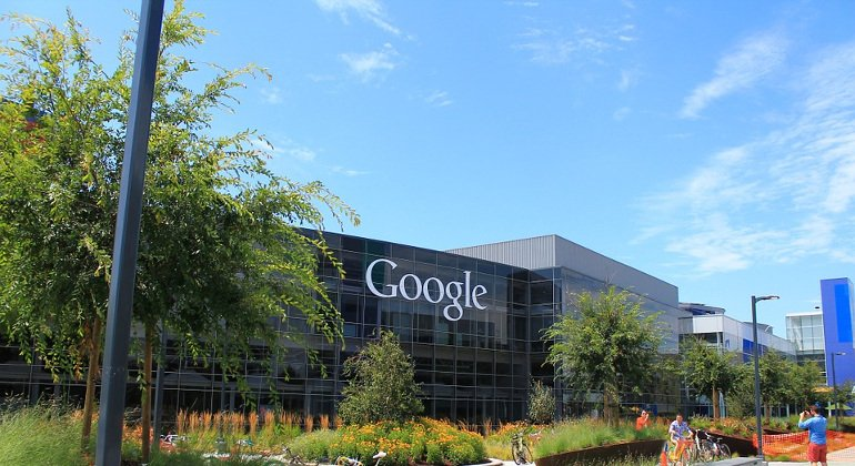 Google: arriva in Italia Destination Insights