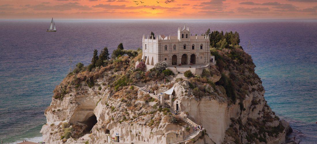 Pronto estate, la Calabria risponde