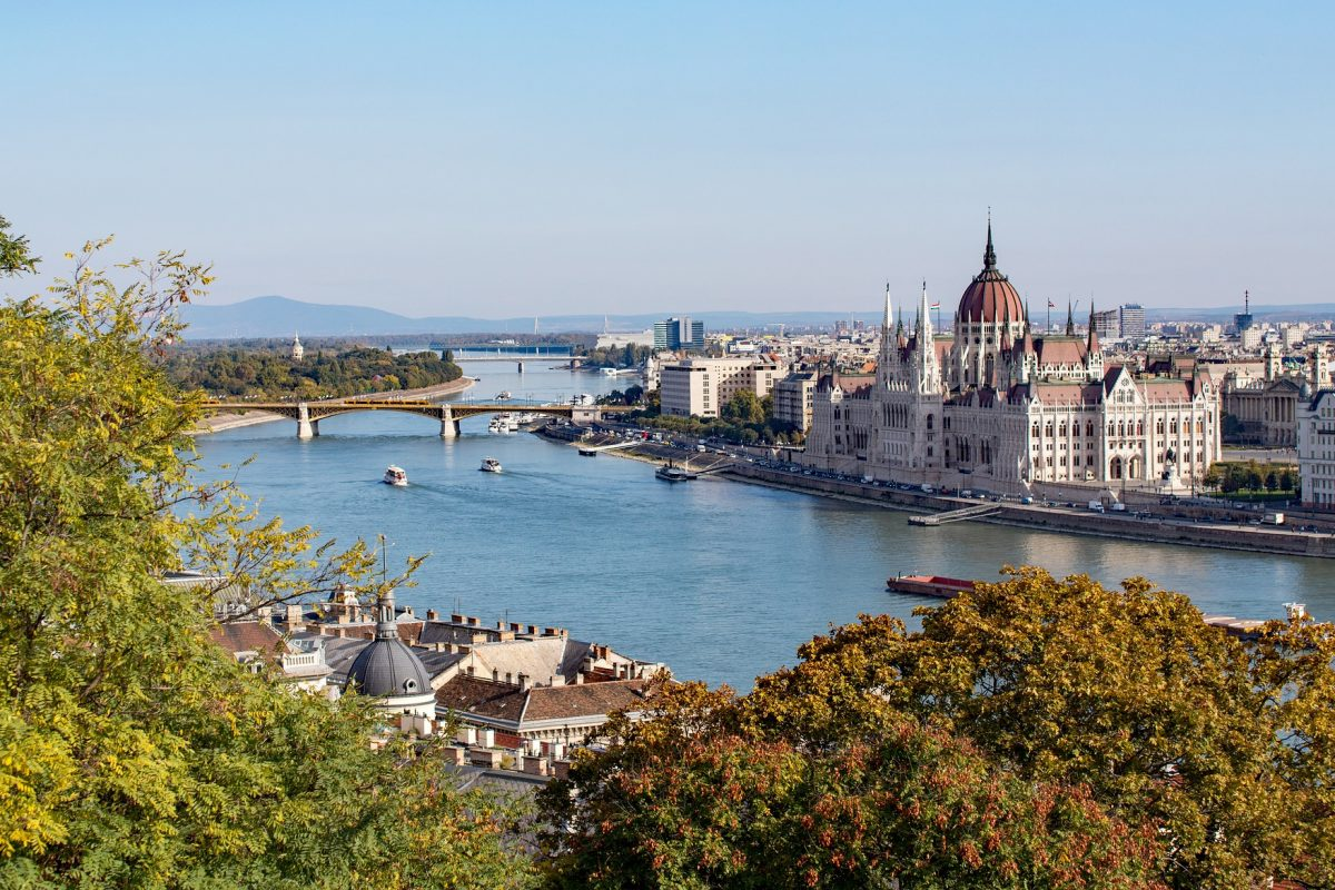 L'Ungheria apre ai flussi europei