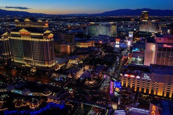 Las Vegas riapre al 100% della capacità