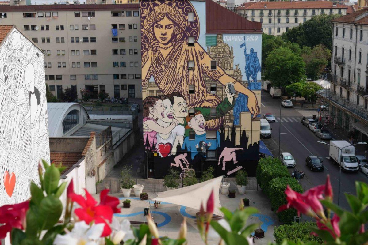 Praga dipinge Milano