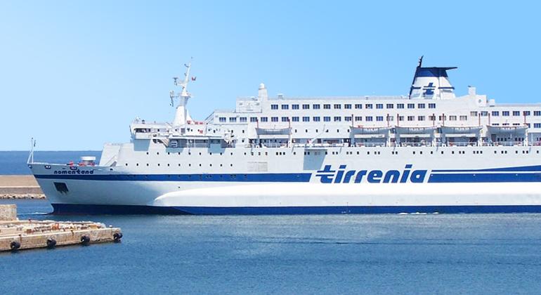 Tirrenia, stop ai collegamenti per la Sardegna