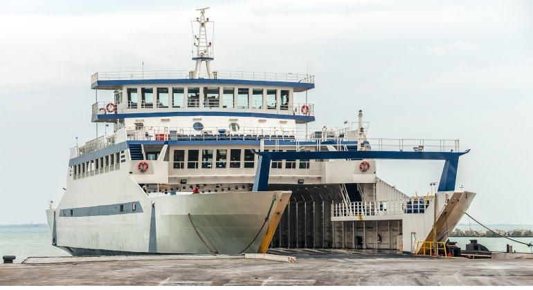 L'estate dei traghetti: viaggi in scia positiva