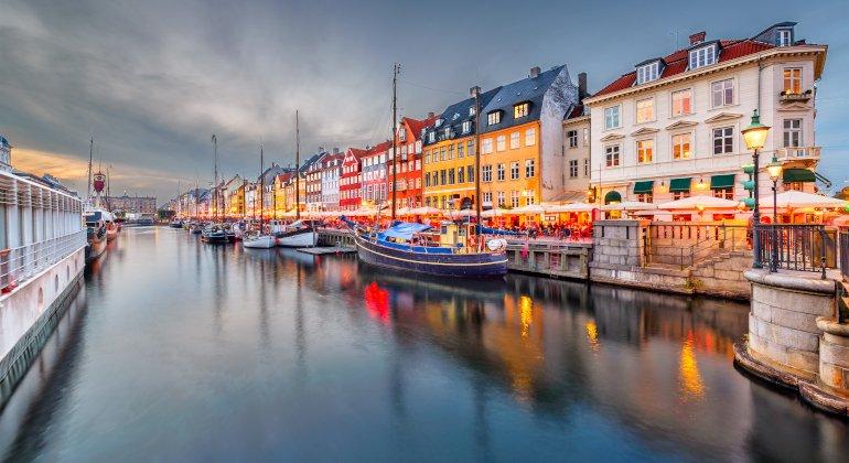 La Danimarca rimuove le restrizioni contro il Covid-19