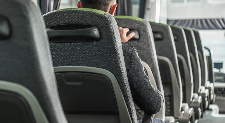 Viaggi in pullman: capacità all'80%, più posti, meno costi