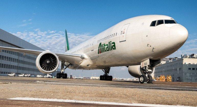 Alitalia: nessuna offerta per il marchio