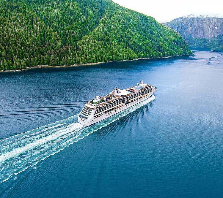 Royal Caribbean, nove mesi in crociera con Serenade of the Seas